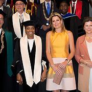 Koningin Maxima bij de inaugurele rede van professor Jumoke Oduwole, de nieuwe Prins Claus Leerstoelhouder, bij het International Institute of Social Studies (ISS) in Den Haag. <br /> <br /> Queen Maxima at the inaugural lecture of Professor Jumoke Oduwole, the new Prince Claus Chair holder at the International Institute of Social Studies (ISS) in The Hague.<br /> <br /> Op de foto / On the photo:  (VLNR) rector van het ISS Leo de Haan, de nieuwe Prins Claus Leerstoelhouder Jumoke Oduwole , Koningin Maxima naast en voorzitter College van Bestuur van de Erasmus Universiteit Pauline van der Meer Mohr<br /> <br /> (LEFT) rector of the ISS Leo de Haan, the new Prince Claus Chair holder Jumoke Oduwole, Queen Maxima alongside and Chairman of the Executive Board of Erasmus University Pauline van der Meer Mohr