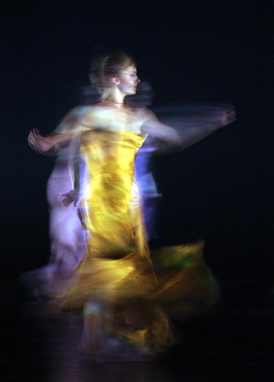 .Alarmes.Création pour la biennale de Lyon.chorégraphe:Blanca Li