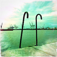 Hamburg Homage #074 Hafen Photography, C-Print, 2014, 20 x 20 cm. © Nero Pécora/La pared