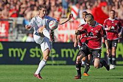 09.04.2011, easy Credit Stadion, Nuernberg, GER, 1 FC Nuernberg vs FC Bayern Muenchen, im Bild: Zweikampf zwischen Miroslav Klose (Muenchen #18) und Timmy Simons (Nuernberg #2) EXPA Pictures © 2011, PhotoCredit: EXPA/ nph/  news       ****** out of GER / SWE / CRO  / BEL ******