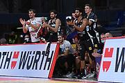Dolomiti Energia Aquila Basket Trento team esultanza<br /> Carpegna Prosciutto VL Pesaro - Dolomiti Energia Aquila Basket Trento<br /> Legabasket Serie A UnipolSAI 2020/2021<br /> Pesaro, 17/10/2020<br /> Foto M.Ceretti / Ciamillo-Castoria