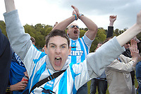 Fotball<br /> England 2004/2005<br /> Foto: SBI/Digitalsport<br /> NORWAY ONLY<br /> <br /> Brighton and Hove Albion v Ipswich Town, Coca-Cola Championship, 08/05/2005<br /> <br /> Brighton fans celebrate staying in the Championship.
