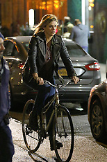 New York - Charlize Theron On Tully Film Set - 08 Nov 2016