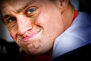 OS: Van der Poel geeft op na val in olympische mountainbikerace
