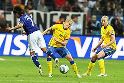 13.07.2011, Commerzbank Arena, Frankfurt, GER, FIFA Women Worldcup 2011, Halbfinale,  Japan (JPN) vs. Schweden (SWE), im Bild.Kozue Ando (Japan / FCR Duisburg) (L) gegen Annica Svensson (Schweden) (M) und Sara Larsson (Schweden) (R).. // during the FIFA Women´s Worldcup 2011, Semifinal, Japan vs Sweden on 2011/07/13, Commerzbank Arena, Frankfurt, Germany.   EXPA Pictures © 2011, PhotoCredit: EXPA/ nph/  Mueller       ****** out of GER / CRO  / BEL ******