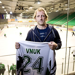 20091005: Ice-Hockey - Press conference of Tomaz Vnuk at the end of his sports career