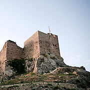 Montalbano Elicona paese siciliano in provincia di Messina. Conosciuto per il castello fatto erigere nel 1233 da Federico II da Aragona e per l'architettura medievale delle vie..Il castello medievale..Montalbano Elicona is a comune in the Province of Messina in the Italian region Sicily, it is mainly known for the castle built in 1233 by the Emperor Frederic II and the medieval architecture of its streets..The medieval castle