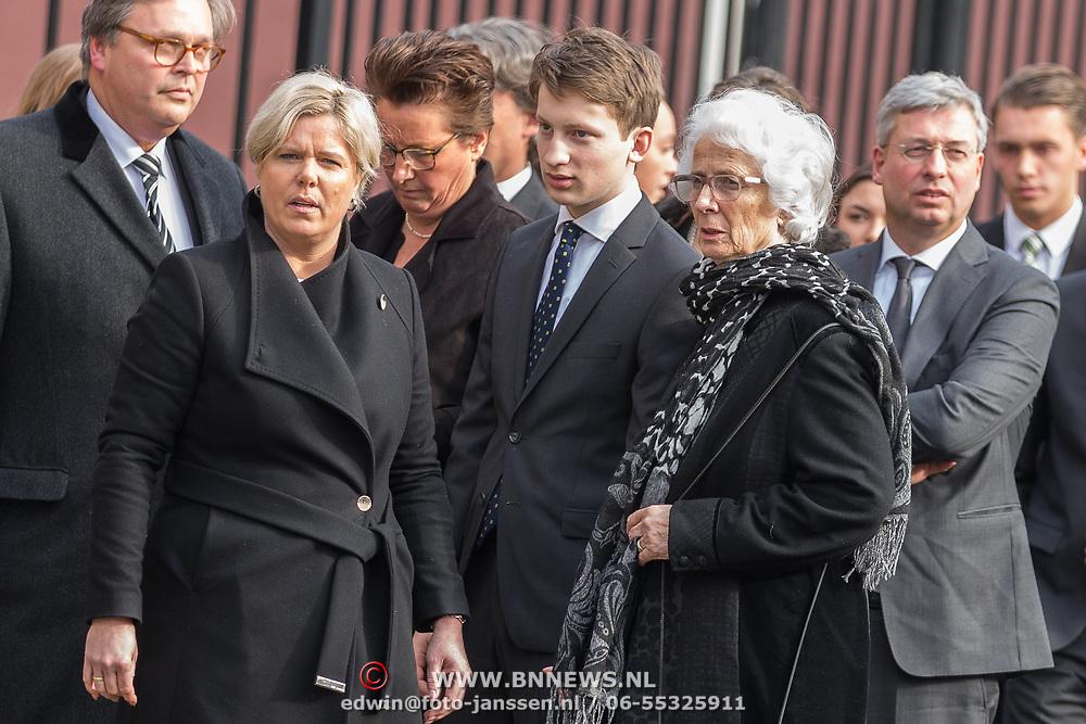 NLD/Rotterdam/20180220 - Herdenkingsdienst Ruud Lubbers, familie en partner Ria Hoogenwegen, zonen en dochter