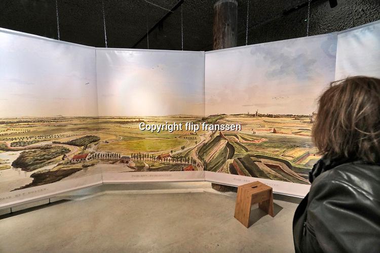 Nederland, Nijmegen, 16-4-2019Aan de voet van de valkhofheuvel, het valkhof, staat De Bastei, het nieuwe centrum voor natuur en cultuurhistorie, dat doorloopt tot de 16e eeuwse Stratemakerstoren. Er is o.a. een panorama van decstad en omgeving uit begin 19e eeuw te zien.FOTO: FLIP FRANSSEN