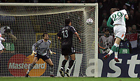 Photo: Paul Thomas.<br /> Werder Bremen v Chelsea. UEFA Champions League, Group A. 22/11/2006.<br /> <br /> Per Mertesacker (29) scores for Bremen.