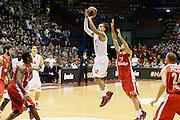 DESCRIZIONE : Milano Eurolega Euroleague 2013-14 EA7 Emporio Armani Milano Olympiacos Piraeus<br /> GIOCATORE : Daniel Hackett<br /> CATEGORIA : Tiro<br /> SQUADRA : EA7 Emporio Armani Milano <br /> EVENTO : Eurolega Euroleague 2013-2014<br /> GARA : EA7 Emporio Armani Milano Olympiacos Piraeus<br /> DATA : 09/01/2014<br /> SPORT : Pallacanestro <br /> AUTORE : Agenzia Ciamillo-Castoria/G.Cottini<br /> Galleria : Eurolega Euroleague 2013-2014  <br /> Fotonotizia : Milano Eurolega Euroleague 2013-14 EA7 Emporio Armani Milano Olympiacos Piraeus<br /> Predefinita :