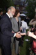 Prince Michael of Kent and the Dowager Coutess of Cawdor, Cartier Flower show dinner, Chelsea Physic garden, 24 May 2004. ONE TIME USE ONLY - DO NOT ARCHIVE  © Copyright Photograph by Dafydd Jones 66 Stockwell Park Rd. London SW9 0DA Tel 020 7733 0108 www.dafjones.com