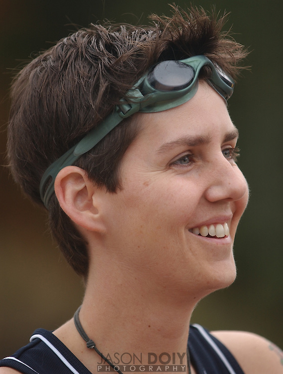 Deborah Mosley at swim practice at Lake Temescal in Oakland...Photo by Jason Doiy.9-18-04.026-2004                               .
