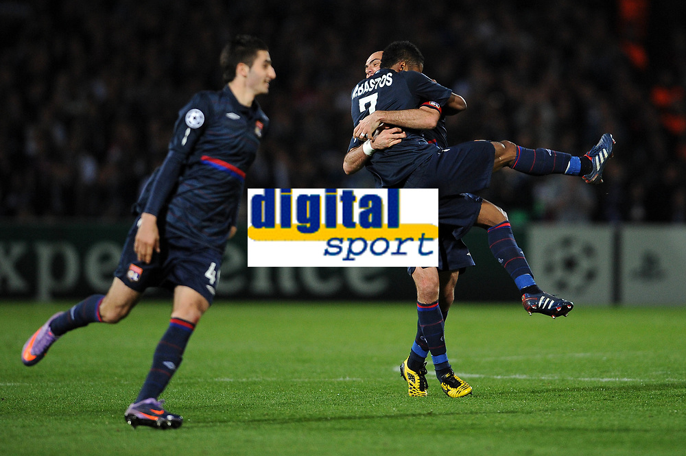 FOOTBALL - UEFA CHAMPIONS LEAGUE 2009/2010 - 1/4 FINAL - 2ND LEG - GIRONDINS DE BORDEAUX v OLYMPIQUE LYONNAIS - 7/04/2010 - JOY LYON - BASTOS - CRIS<br /> PHOTO FRANCK FAUGERE / DPPI