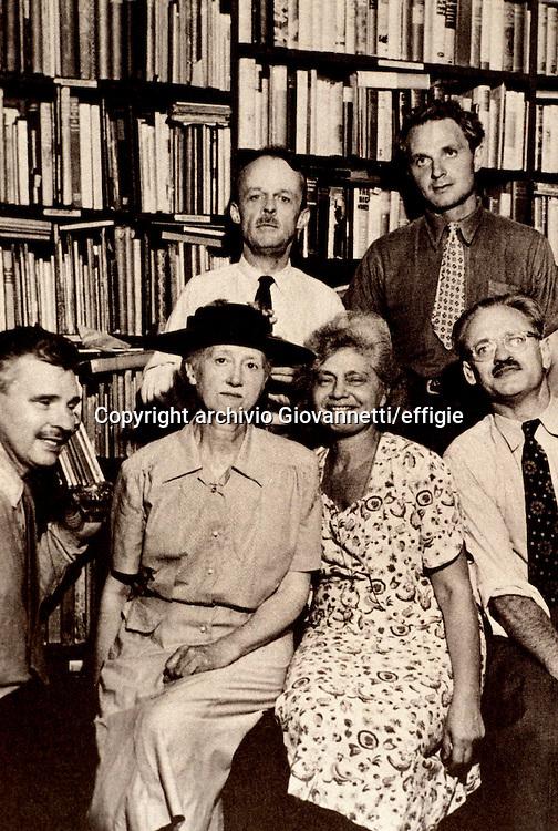 Allen Tate, Stephen Spender, Malcolm Cowley, Marianne Moore, Frances Steloff, Kenneth Burke<br />archivio Giovannetti/effigie