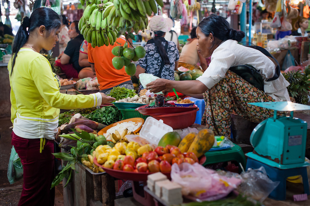 Food market stall in Siem Reap (Cambodia)