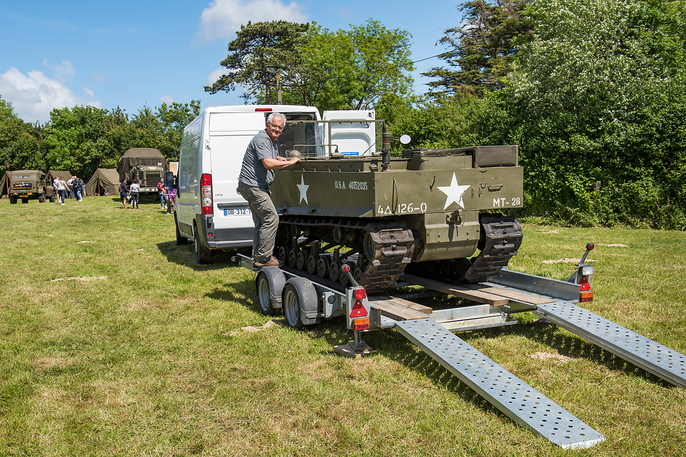 May 30, 2019, Sainte-Mère-Église, Normandy, France. Camp for  reenactments of military deeds from 1944. The 75th anniversary of D-Day and Battle of Normandy commemoration is a tourist attraction.   <br /> 30 Mai 2019, Sainte-Mère-Église, Normandie, France.  Camp de la reconstitution d'actes militaires de 1944.