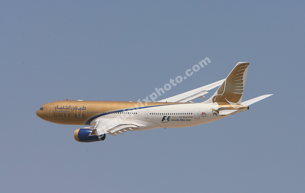 A Gulf Air (title sponsor) jumbo jet flew over the circuit before the 2007 Bahrain Grand Prix. Photo: Grand Prix Photo