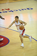 The Washington Wizards defeated the Cleveland Cavaliers 88-87 in Game 5 of the First Round of the NBA Playoffs, April 30, 2008 at Quicken Loans Arena in Cleveland.<br /> Delonte West of Cleveland brings the ball up court.
