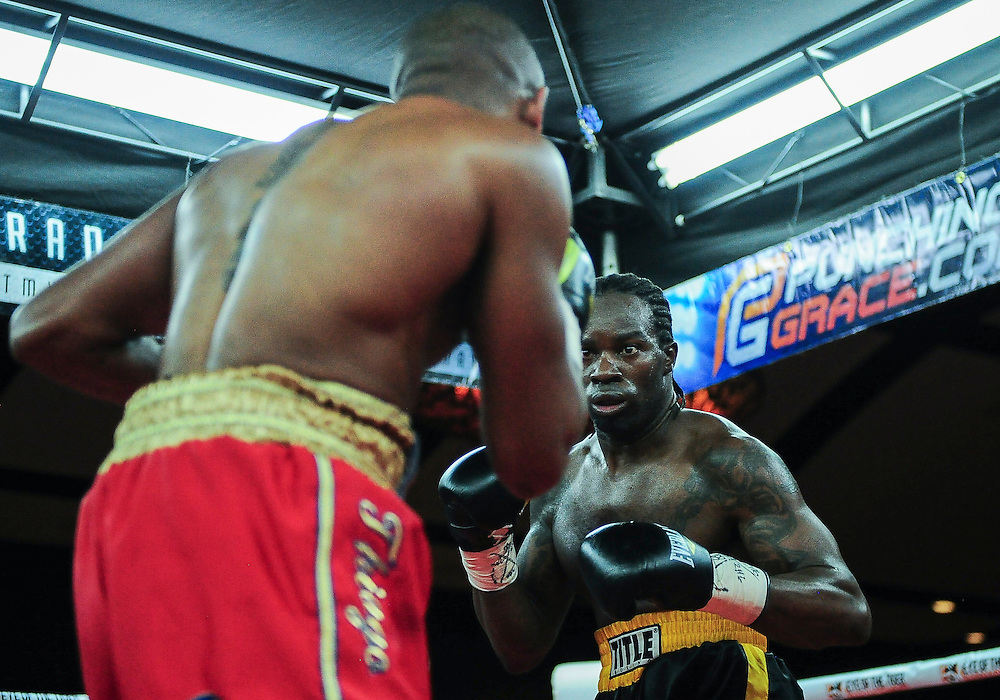 February 21, 2016: Roody Rene (R) from Ottawa, Canada during his super middleweight bout with compatriot Louisbert Altidor as part of the Fight Club 18 gala at the Hilton Lac Leamy in Gatineau, Quebec, Canada. (Photo by Steve Kingsman/Icon Sportswire)