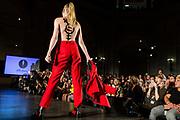 NUE541 - NUEVA YORK(EEUU), 09/9/16.-  Desfile de moda queer DapperQ en el marco del New York Fashion Week, concretamente ubicado en el Brooklyn Museum. Hasta 8 diseñadores y diseñadoras han mostrado sus colecciones en un acto muy reivindicativo a favor de la libertad de género EFE/Edu Bayer