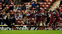 Photo: Jed Wee.<br /> Middlesbrough v Crystal Palace. Carling Cup. 30/11/2005.<br /> <br /> Crystal Palace dangerman Andy Johnson (L) fires in a freekick on his return from injury.