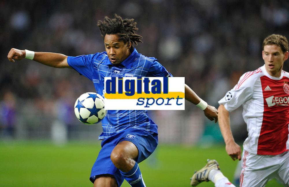 FOOTBALL - CHAMPIONS LEAGUE 2010/2011 - GROUP STAGE - GROUP G - AJAX AMSTERDAM v AJ AUXERRE - 19/10/2010 - PHOTO GUY JEFFROY / DPPI - ROY CONTOUT (AUX)