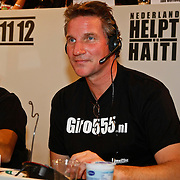 NLD/Hilversum/20100121 - Benefietactie voor het door een aardbeving getroffen Haiti, Peter Blok