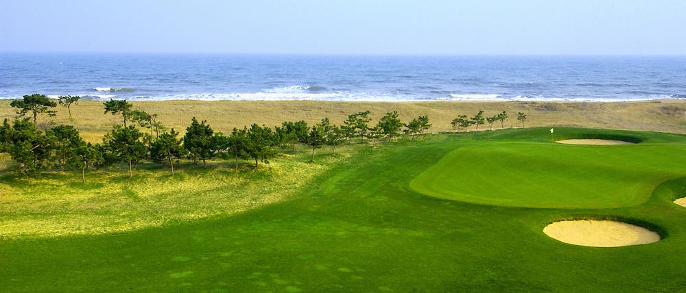 7th par 4 at Tiger Beach Golf Links, Haiyang, Sandyong, China.