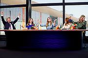 EINDHOVEN, 27-04-2021, High Tech Campus<br /> <br /> Koning Willem-Alexander, Koningin Maxima met hun dochters Prinses Amalia, Prinses Alexia en Prinses Ariane tijdens Koningsdag 2021 op de High Tech Campus in Eindhoven Foto: Brunopress/POOL/Koen van Weel<br /> <br /> King Willem-Alexander, Queen Maxima with their daughters Princess Amalia, Princess Alexia and Princess Ariane during King's Day 2021 at Eindhoven