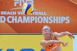 20150628 NED: WK Beachvolleybal day 4<br /> Daniëlle Remmers (foto) en Michelle Stiekema hebben ook hun tweede groepswedstrijd op de WK beachvolleybal verloren. Het Italiaanse duo Marta Menegatti/Viktoria Orsi-Toth was in twee sets te sterk: 21-13, 21-14.