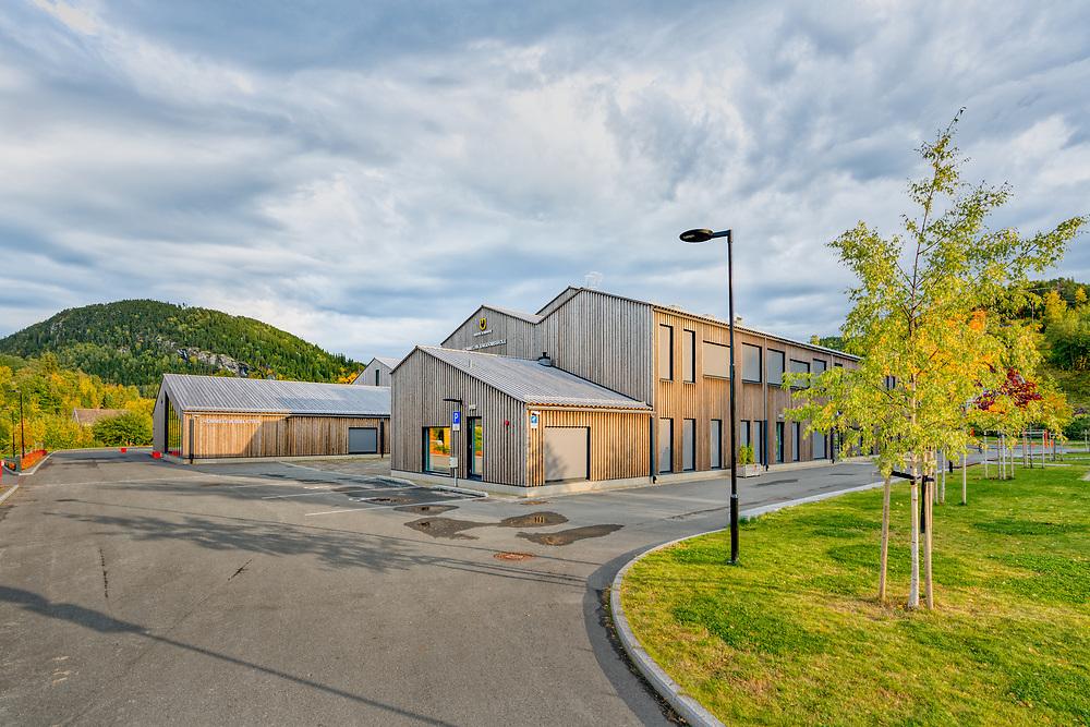 Hommelvik ungdomsskole er en ungdomsskole i Hommelvik i Malvik kommune i Trøndelag fylke.