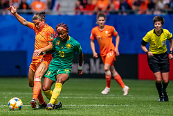15-06-2019 FRA: Netherlands - Cameroon, Valenciennes<br /> FIFA Women's World Cup France group E match between Netherlands and Cameroon at Stade du Hainaut / Sherida Spitse #8 of the Netherlands, Jeannette Yango #10 of Cameroon
