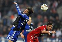 Fotball<br /> Tyskland<br /> 06.02.2010<br /> Foto: Witters/Digitalsport<br /> NORWAY ONLY<br /> <br /> v.l. Ruud van Nistelrooy HSV, Youssef Mohamad<br /> <br /> Bundesliga 1. FC Köln - Hamburger SV 3:3