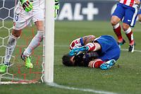 Atletico de Madrid´s Mandzukic gets hurt during 2014-15 La Liga match at Vicente Calderon stadium in Madrid, Spain. January 03, 2015. (ALTERPHOTOS/Victor Blanco)