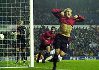 Fotball<br /> England 2003/2004<br /> Norway Only<br /> Foto: Digitalsport<br /> <br /> Leeds United v Manchester United Carling Cup (2-3) AET<br /> Diego Forlan (Manchester United) celebrates second goal