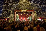 Weihnachtsmarkt am Kolner Dom / Cologne Cathedral  Christmas Market, Cologne.