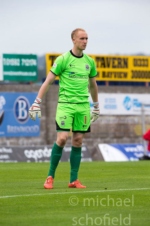 Elgin City's keeper Mark Hurst. <br /> East Fife 2 v 1 Elgin City, Ladbrokes Scottish Football League Division Two game played 22/8/2015 at East Fife's home ground, Bayview Stadium.