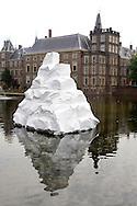 Foto: Gerrit de Heus. Den Haag. 06/06/08. Den Haag Sculptuur. Hofvijver.