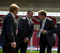 Photo. Richard Lane<br />Southampton FC FA Cup Preview Day at St. Mary's. 13/05/2003.<br />James Beattie and Gordan Strachan in their Ted Baker Suits