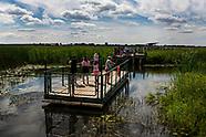 Waniewo. Pływające platformy w Narwiańskim PN