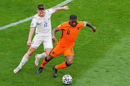 Lukas Masopust of Czech Republic battles for possession with Georginio Wijnaldum of the Netherlands during the UEFA Euro 2020, Round of 16 football match between Netherlands and Czech Republic on June 27, 2021 at Puskas Arena in Budapest, Hungary - Photo Andre Weening / Orange Pictures / ProSportsImages / DPPI