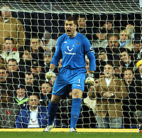 Fotball<br /> Carling Cup England 2004/2005<br /> Foto: BPI/Digitalsport<br /> NORWAY ONLY<br /> <br /> <br /> 01/12/2004 Tottenham v Liverpool, Carling Cup Quarter Final, White Hart Lane<br /> <br /> Paul Robinson screams at his defence