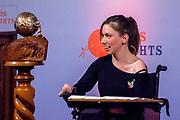 Uitreiking in de Ridderzaal van de Kindervredesprijs 2017 . De Internationale Kindervredesprijs wordt jaarlijks uitgereikt aan een kind dat zich op bijzondere wijze heeft ingezet voor kinderrechten en de situatie van kwetsbare kinderen. De prijs is een initiatief van de van oorsprong Nederlandse stichting KidsRights.<br /> <br /> Award ceremony in the Ridderzaal of the Children's Peace Prize 2017. The International Children's Peace Prize is awarded annually to a child who has made a special effort to promote children's rights and the situation of vulnerable children. The prize is an initiative of the originally Dutch foundation KidsRights.<br /> <br /> Op de foto / On the photo:  Chaeli Mycroft - winnares Kindervredesprijs 2011