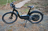 Elby-9 Electric Bicycle. Image taken with a Leica D-Lux 7 camera (ISO 200, 21 mm, f/4, 1/125 sec).