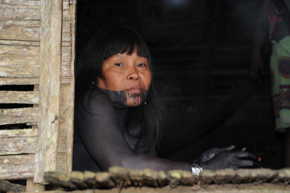 Indígenas emberá / comunidad indígena emberá, Panamá.<br /> <br /> Mujer indígena tatuada.