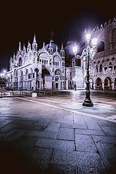 THEMENBILD - der Markusdom (Basilica di San Marco) am Markusplatz (Piazza San Marco), aufgenommen am 05. Oktober 2019 in Venedig, Italien // the Basilica di San Marco at the Piazza San Marco in Venice, Italy on 2019/10/05. EXPA Pictures © 2019, PhotoCredit: EXPA/ JFK