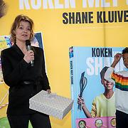 NLD/Muiden/20180325 - Boekpresentatie koken met Shane Kluivert, uitgeefster en Shane