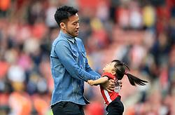 Southampton's Maya Yoshida and daughter walk the lap of appreciation