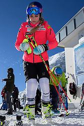 23.10.2015, Rettenbachferner, Soelden, AUT, FIS Weltcup Ski Alpin, Soelden, Vorbereitung, im Bild Lindsey Vonn (USA) waehrend dem Training // during preparation to FIS Ski Alpine World Cup at the Rettenbachferner in Soelden, Austria on 2015/10/23. EXPA Pictures © 2015, PhotoCredit: EXPA/ Freshfocus/ Christian Pfander<br /> <br /> *****ATTENTION - for AUT, SLO, CRO, SRB, BIH, MAZ only*****